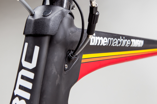 BMC's hinged fork design and DTI (Dual Transmission Integration) make for an aero grille on the BMC TMR01.