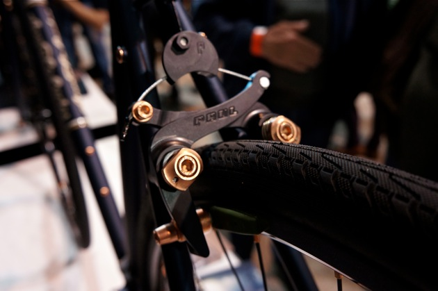 Tasteful copper-plated hardware gave the bike a subdued yet stately appearance.