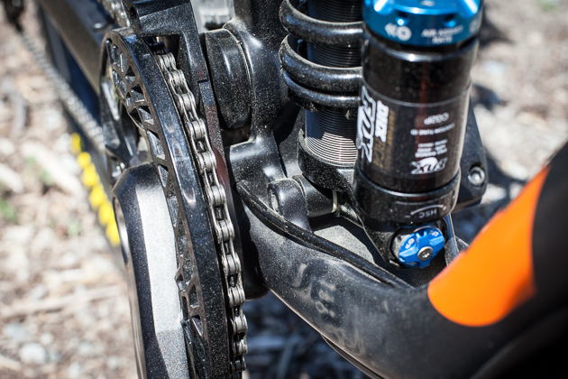 The Carbon operator has internal cable routing. I can already see the hate comments piling up, but let me explain. Fishing cables through frames sucks, which is why Kona glued in carbon guide tubes for the rear derailleur and brake. Thanks guys. If you'd prefer to run your cables on the outside, you can do that as well. Every detail was considered. Peep the hole in the ISCG tab to keep the derailleur housing away from the drivetrain. That apparently was very difficult to convince the factory to do.