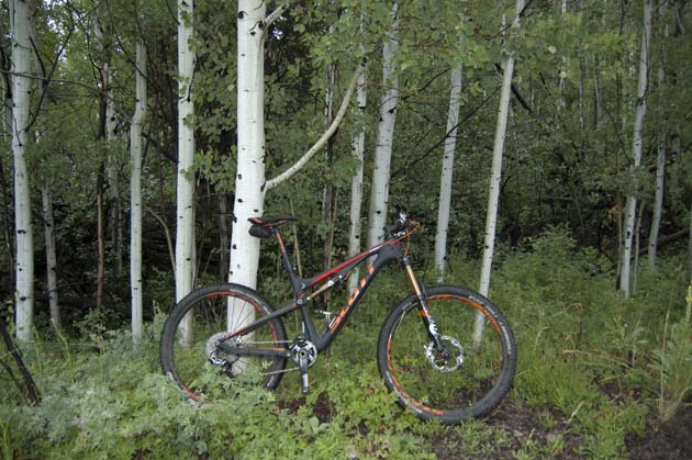 The 150-millimeter Scott Genius 700 Tuned is right at home among the Aspens in Deer Valley, Utah.