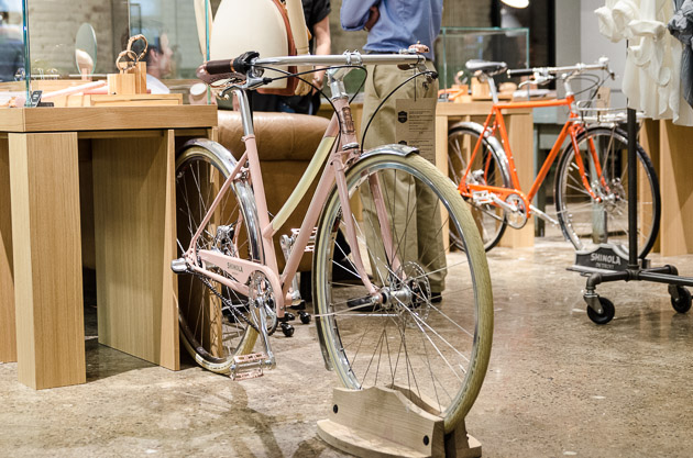 The Bixby mixte goes perfect with pink