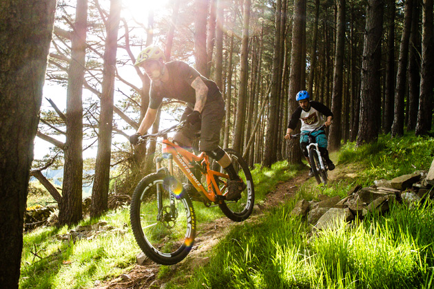 Seb Kemp gets chased by Callum Jelley in Glentress, Scotland while having a skin full of fun.
