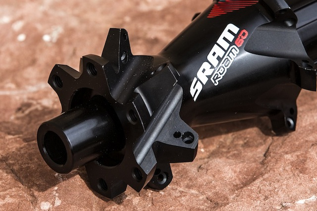 Designed by SRAM, manufactured by DT Swiss. The hubs of the Rail and Roam wheels are reliable and simply smart.