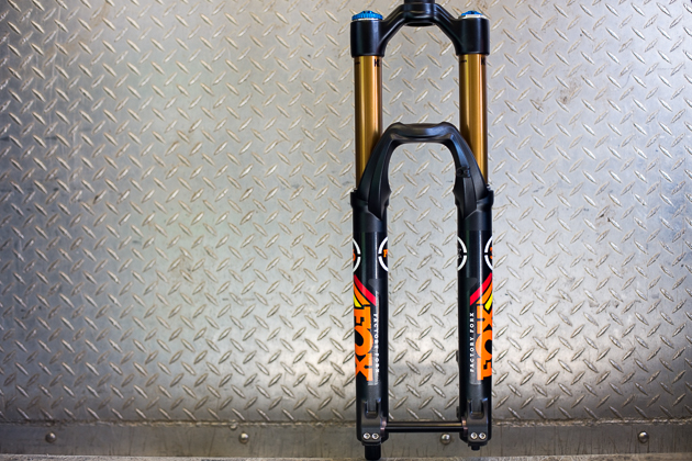 The Fox 36 platform has been laying dormant for a few years now, so Fox decided to spruce up this trail devouring beast for 2015. New shaping and air springs lower the fork's weight significantly, while still offering the both high and low speed compression in the RC2 damper. In addition, the dropouts will accept both 15 and 20-millimeter axles.