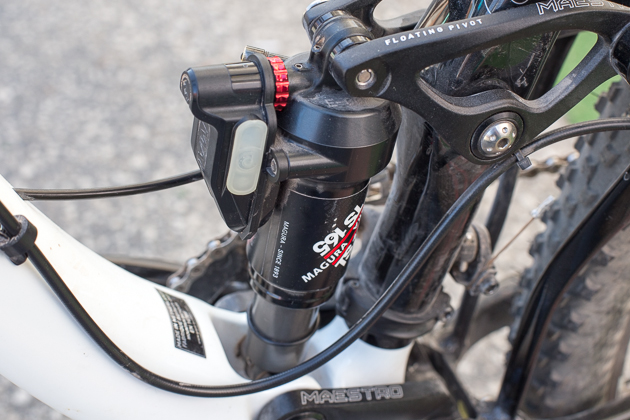 The new Magura Elect shock pairs with the brand's automatically locking fork. The fork senses trail conditions via accelerometer, and communicates its findings through an ANT+ wireless network to automatically turn the shock on and off.