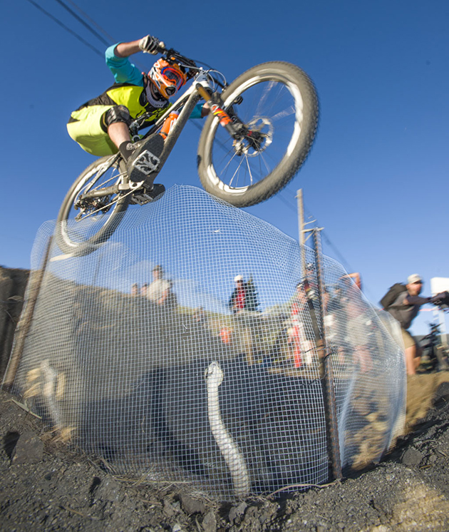 Tyler Jarosz gets stylin' over the pit of annoyed rattlers on the way to the fastest finish of the day.
