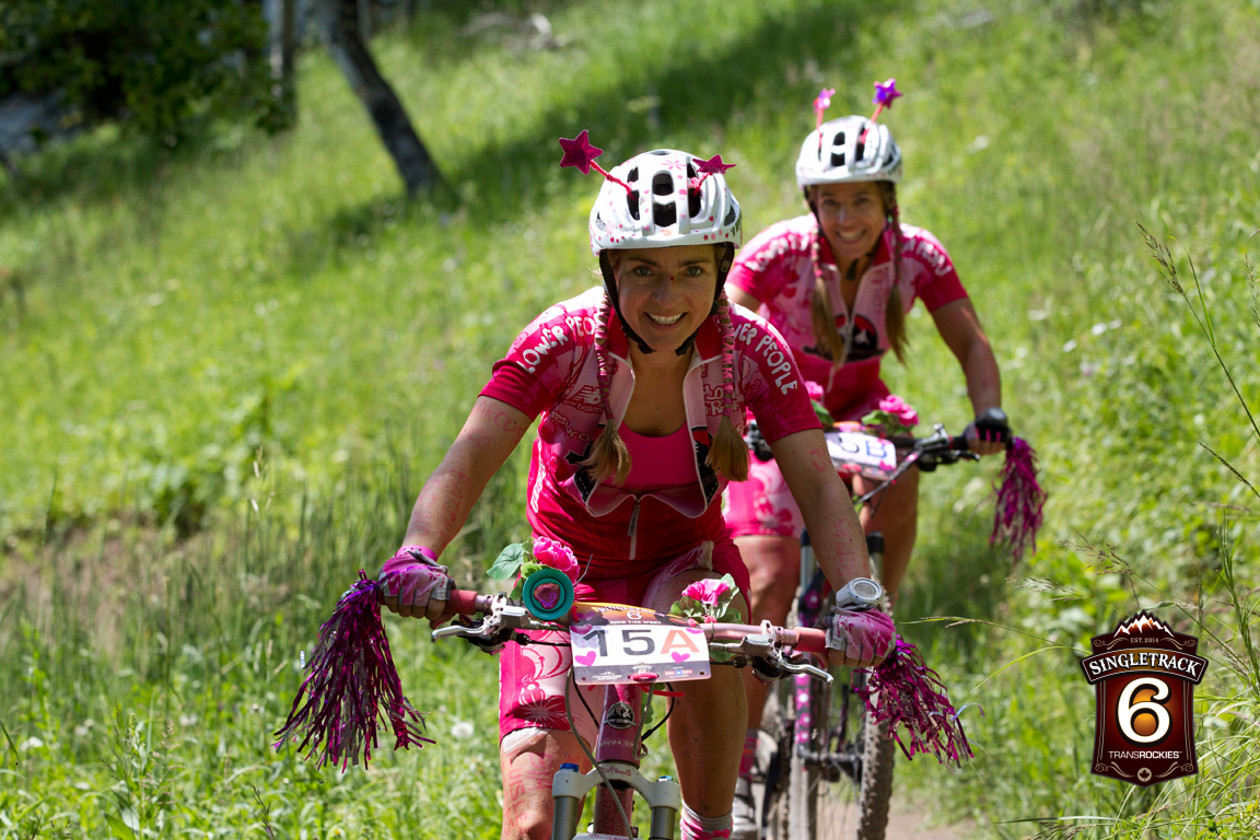 These nice ladies from Brazil where exceeding the 15 pieces of flair protocol no problem. The Number of international riders at the race is outstanding, with over 40 countries represented on the start line. People from all over the world love singletrack!