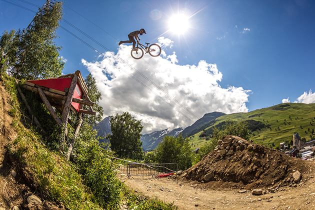 Anthony Messere on his way to win his first major slopestyle contest. Photo: Ale Di Lullo / Red Bull