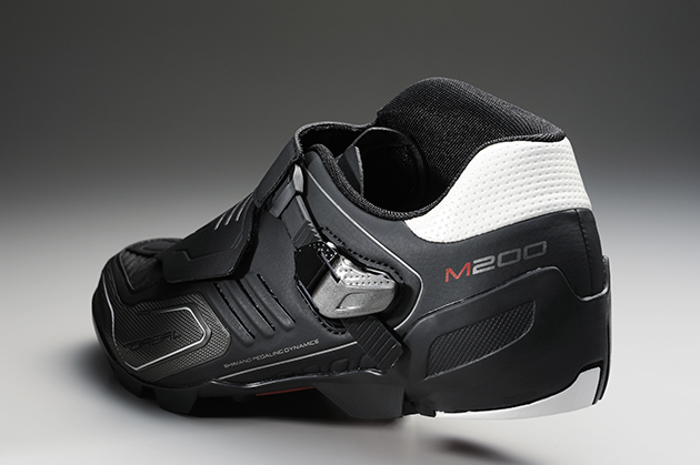 The SH-M200 comes with an asymmetrical cuff to protect the ankle.