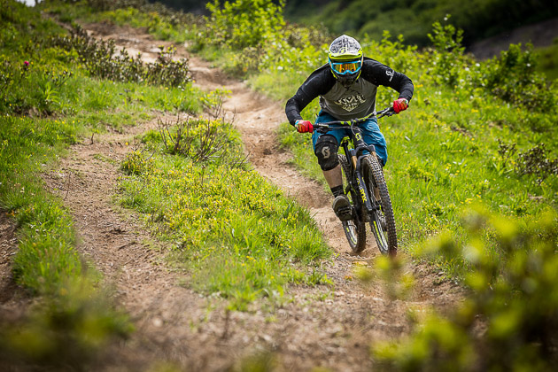 After spending the better part of two days riding the Gambler in Chatel, I was admittedly a bit apprehensive to switch over to the new Voltage FR 710 and ride those same tracks. Any fears or doubts about the bike were quickly erased though. The Voltage is nothing but fun, and extremely capable. At home in the berms and on the jumps, the Voltage didn't miss a step when it got into the rough rugged terrain. Photo: Lee Trumpore