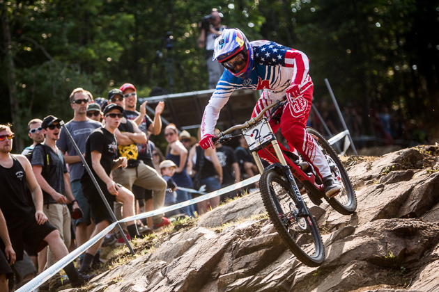 Gwin races his brand-new Demo 8 to a 6th place finish at Mont Sainte Anne