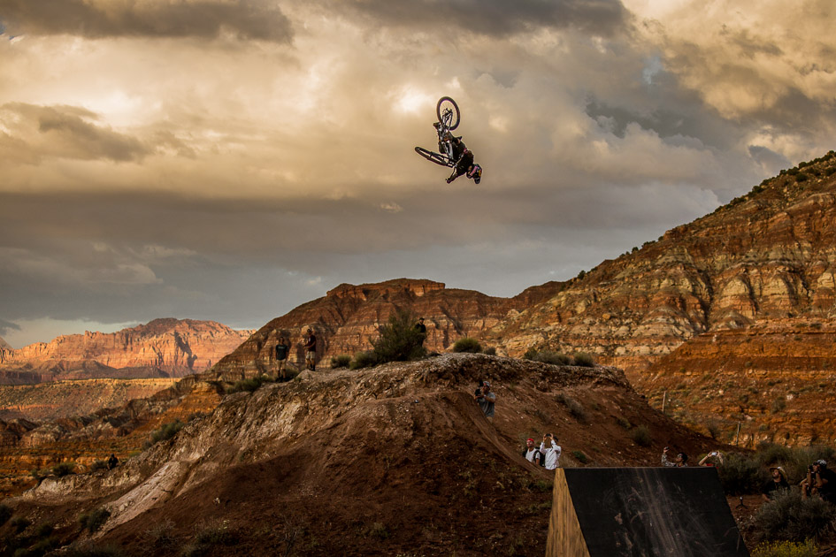 Pre-qualified into the finals, Spanish style master (and speed demon) Andreu Lacondeguy was throwing down his signature flatspin 360s during the sunset practice session on the eve of Monday's finals. If he rides up to his potential, we could very well see him at the top of the podium on Monday afternoon.
