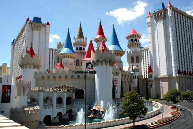 "A super-sized version of the castle you last saw at a miniature golf course? Now that's classy with a capital ""K""."