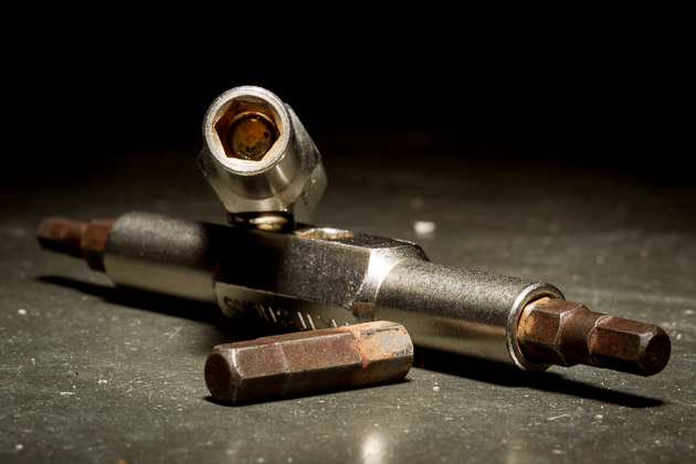Strong magnets keep bits in place. Occasionally, the bit will stick to the bolt and pull out of the tool. I've gotten used to giving a gentle opposite turn after snugging fasteners to free any potential bit jamming. Photo: Anthony Smith