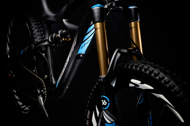 The Mojo HD3 comes stock with a 150-millimeter RockShox Pike. Ibis, however, also offers the bike with a Fox 36. Can't really go wrong either way.