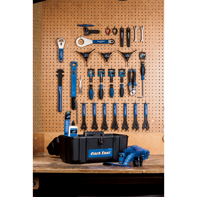 e80bf57af41 THE BLUE HANDLES OF PARK TOOLS OCCUPY THE BENCHES of more bike shops in the  U.S. than any other brand. If I were a betting man