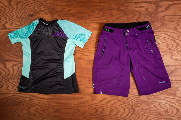 The Andorra Comp jersey comes in short and long sleeves and complements the Andorra all-mountain short.