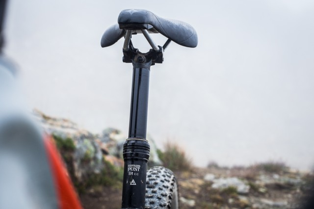 The new Command IRcc dropper post is much-improved, with micro-adjustments for the height.