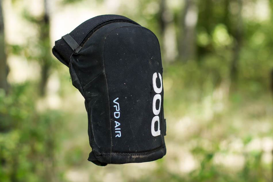 The POC Joint VPD Air knee pads are a lightweight pad designed for cross country and trail riders looking for some skin saving protection.