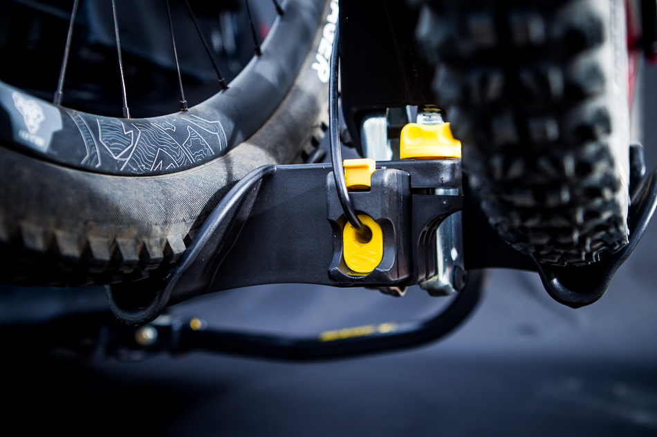 The cable lock works well and is handy for a quick errand, but as with any car rack, won't prevent motivated bike snatchers.