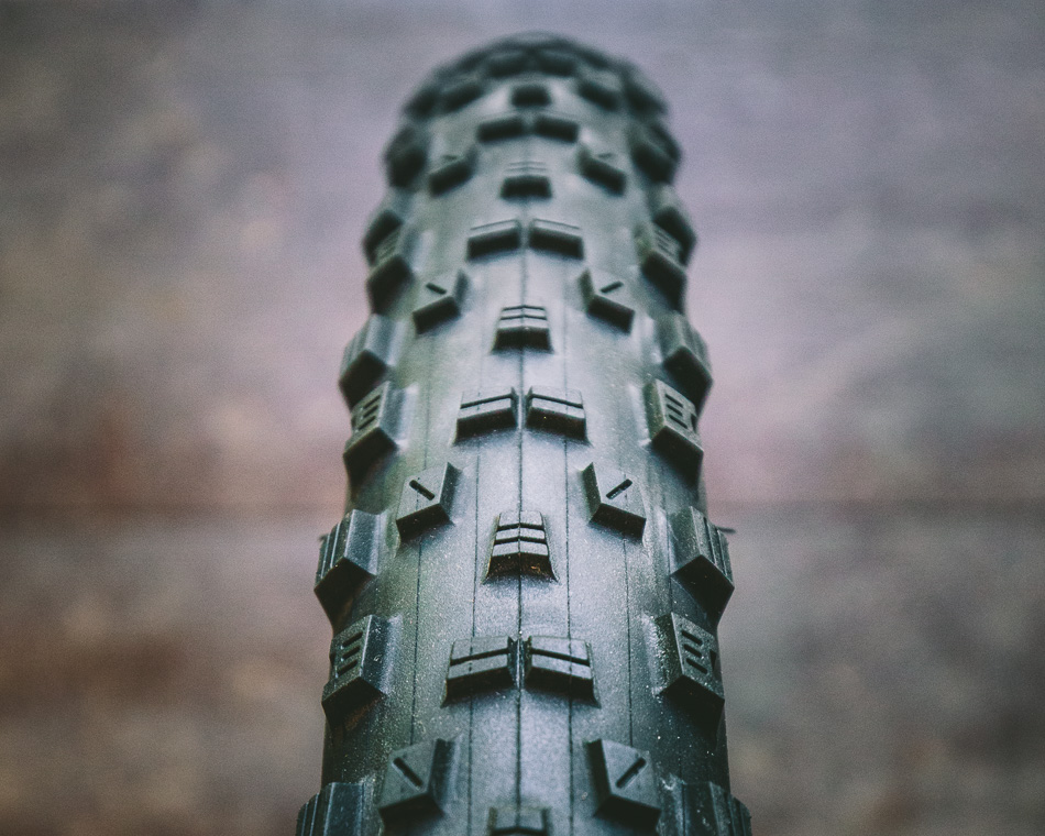 The knob spacing of the Forekaster's tread pattern made it ideal for the intermediate dirt, and loose over hardpack conditions we experienced in Georgia, and the side knobs provided excellent grip, with a predictable break away.