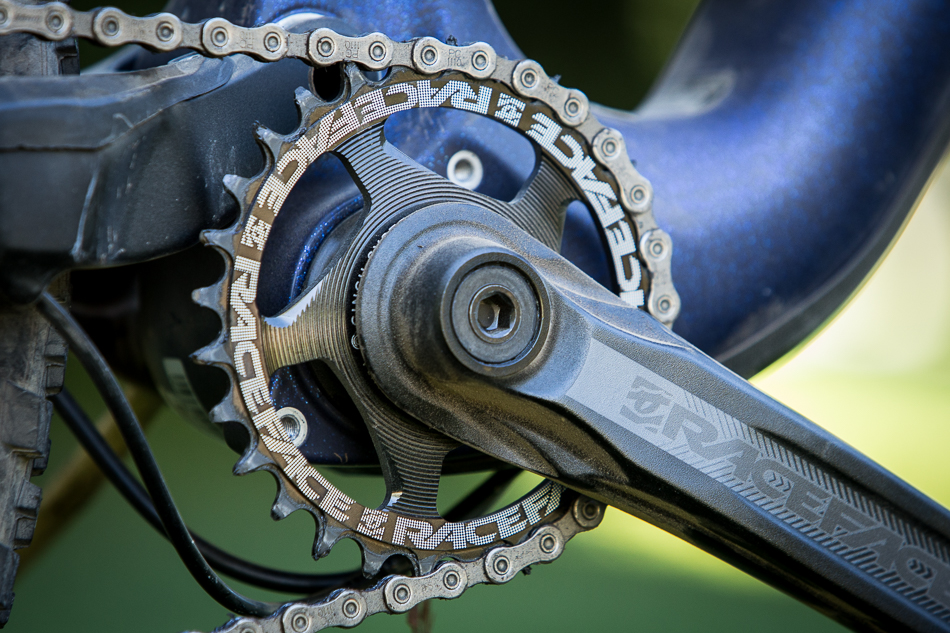 A 28-tooth front chainring makes climbs a breeze.