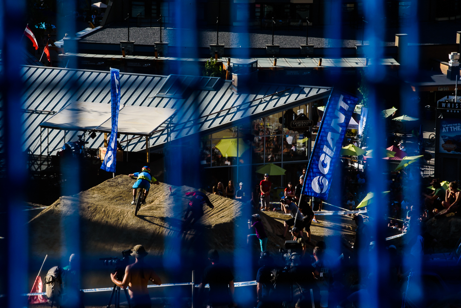 Everything was blue except for the fans. Photo: Bruno Long