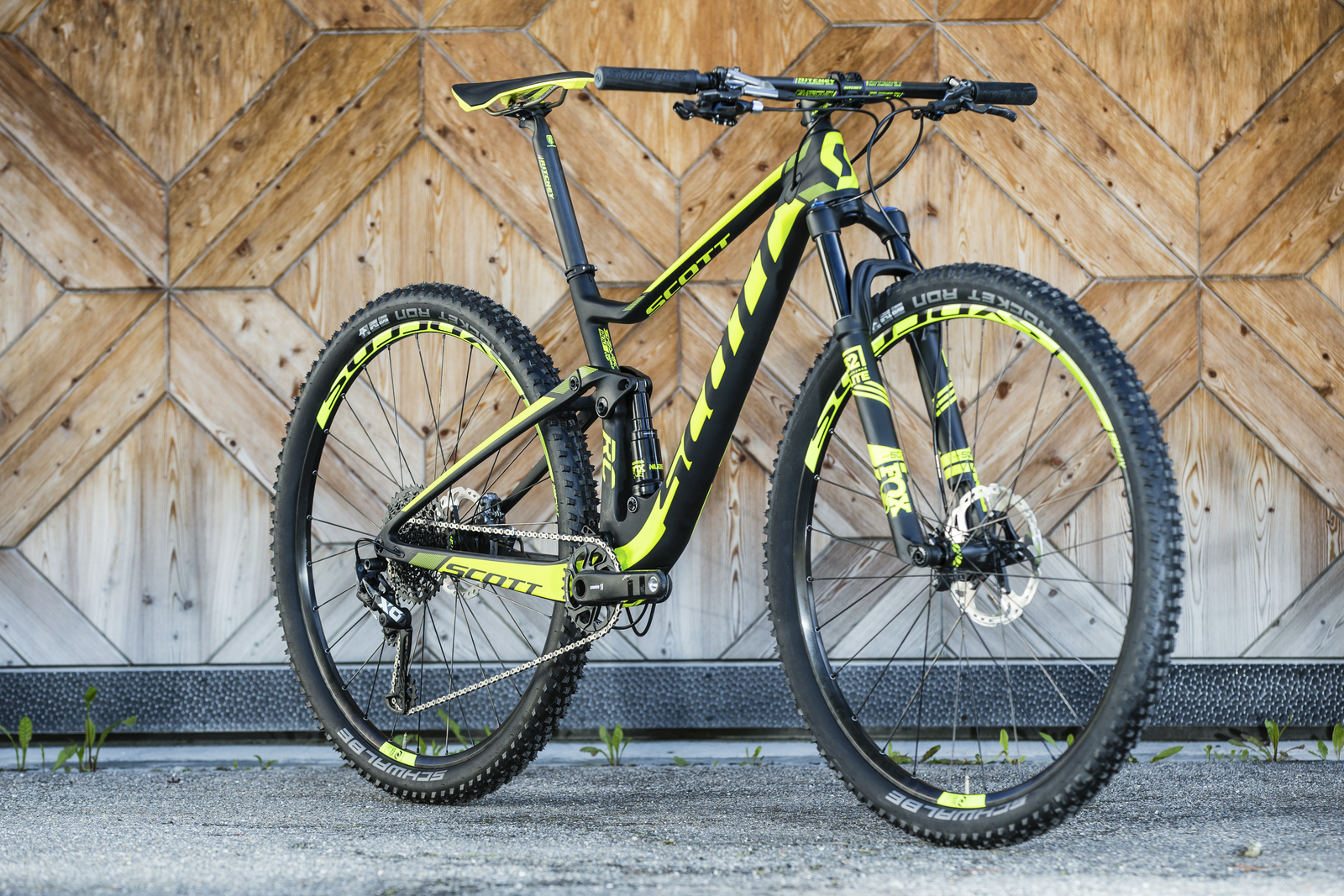 The Spark RC 900 is an XC bike that can pull double duty on more aggressive trails. With 29-inch wheels, a one-by optimized frame, dramatically improved suspension and increased rear-end stiffness, it's the bike that convinced Nino Schurter that a 29er could be the bike that propels him to Olympic gold.